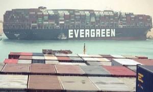 Tắc nghẽn kênh đào Suez: Chuỗi cung ứng toàn cầu bị ảnh hưởng nặng